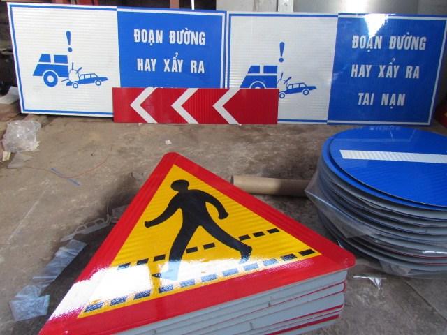 Biển báo hiệu lệnh đường bộ